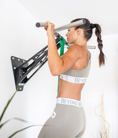 wall pull up bar